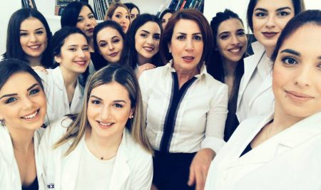 ΣΒΙΕ και APIVITA γιορτάζουν την Ημέρα της Γυναίκας αναδεικνύοντας την όμορφη πλευρά της!